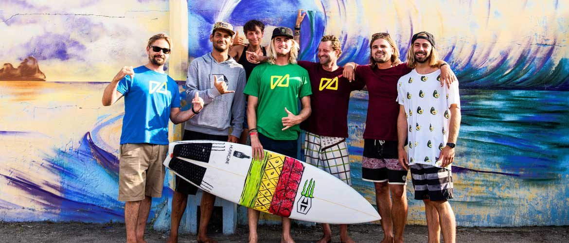 Camino Surfcamp Galicien The Camino Surf Team with Beyrick de Vries Group picture